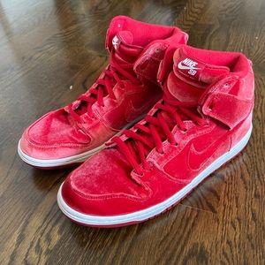 Nike DUNK SB High, RED VELVET Premium